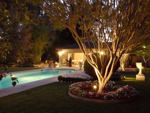 Landscape lighting charlotte mooresville harrisburg nc garden lighting mozeypictures Gallery